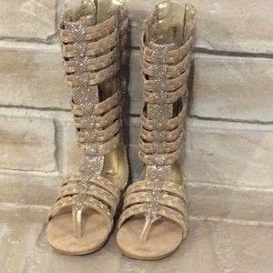 03bcd5025dd Joyfolie Shoes - Joyfolie Girls gladiator sandals metallic size 8